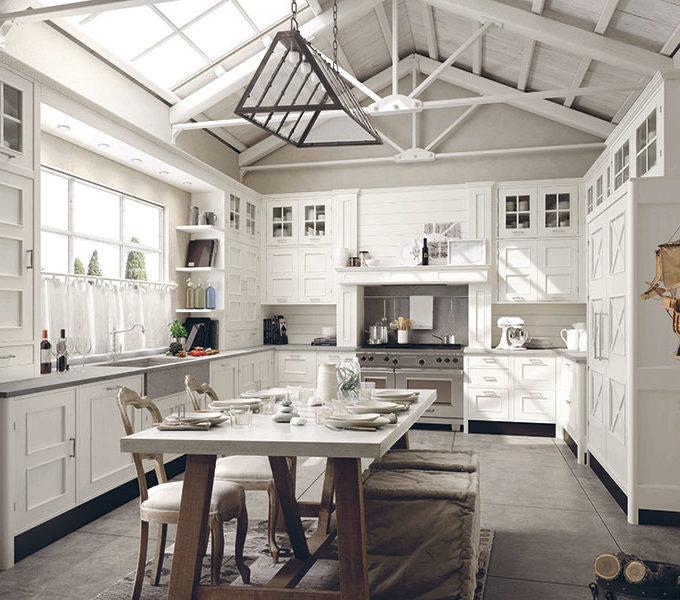 Weiße Holzküche