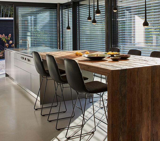 bulthaup Küche mit Altholztisch